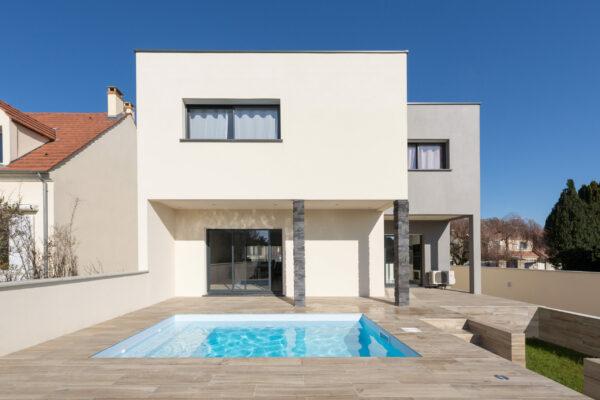 - Maison contemporaine avec piscine